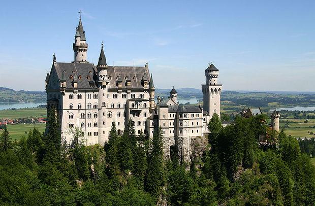 Castle_Neuschwanstein.jpg